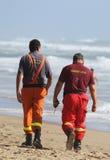 Soccorritori sulla spiaggia Immagine Stock