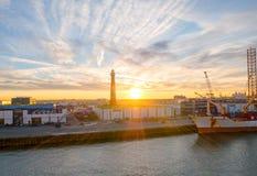Słońce sety nad portem IJmuiden Zdjęcie Stock