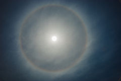 Słońce, tęcza, chmurnieje Fotografia Royalty Free