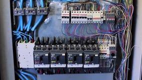 SOCHI, RÚSSIA - 22 DE SETEMBRO DE 2012: Bonde na maquinaria industrial da fábrica vídeos de arquivo