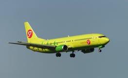 Boeing 737-400 aviões de jato Imagens de Stock Royalty Free