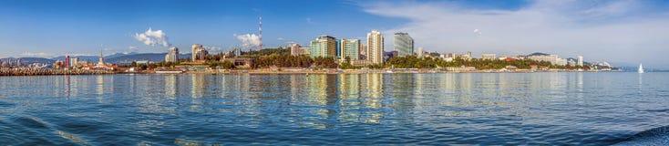 Sochi, Rússia Vista panorâmica da cidade do mar imagens de stock royalty free