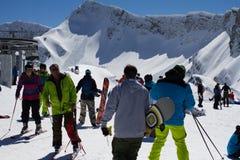 SOCHI ROSJA, MARZEC, - 22, 2014: Turyści w narcie Zdjęcie Royalty Free
