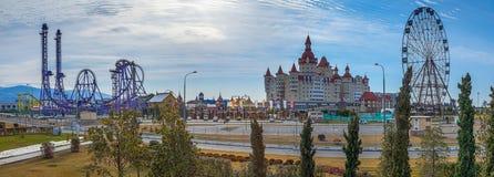 SOCHI, RUSSLAND - 25. FEBRUAR 2017: Panorama von Sochi-Park Lizenzfreie Stockfotos