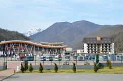 Sochi Ryssland, mars, 03, 2016 Järnvägsstation Rosa Khutor Arkivfoton