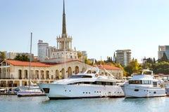 Sochi-Seehafen, Russland Lizenzfreie Stockfotografie