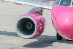 Société d'aviation de Wizz Air d'avions à l'aéroport de Bergame Photo libre de droits