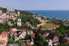 SOCI, la RUSSIA, il 14 luglio 2015 vista panoramica dello stadio, della strada principale e di Seawiew fotografia stock libera da diritti