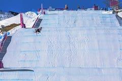 SOCI, RUSSIA - 21 FEBBRAIO 2014: Pista di corsa con gli sci di stile libero, olimpiadi invernali 2014 Fotografia Stock Libera da Diritti
