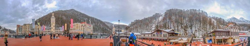 """SOCI, RUSSIA - 10 GENNAIO 2015: Un panorama di 360 gradi della stazione sciistica """"Rosa KhutorÂ"""" Immagine Stock Libera da Diritti"""