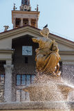 SOCI, RUSSIA, IL 17 LUGLIO 2015: Fontana del porto marittimo Fotografia Stock Libera da Diritti