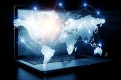 Sociaal verbinding en voorzien van een netwerk Gemengde media Stock Afbeeldingen