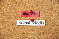 Social massmediacorkboard Arkivfoton