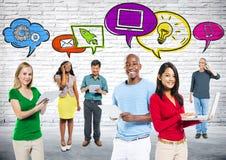 Social massmediakommunikationsgrupp arkivfoton
