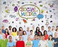 Social massmediakommunikationsgrupp med symboler Royaltyfria Bilder