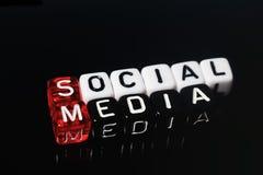 Social massmediasvart Arkivfoton