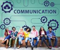 Social Media, das on-line-Austausch-Konzept teilt stockfoto