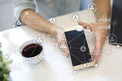 Social Media-Diagramm-Illustrationsdesign über Weiß Organisationsstruktur Stunde Ein Bündel Leute, habend Gespräche Hintergrund d Lizenzfreies Stockfoto