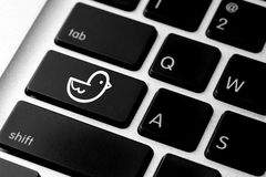 Social media icon on computer keyboard Royalty Free Stock Photography