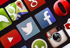 Social media icon Twitter and Facebook on smart phone screen Stock Photography