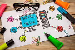 Free Social Media Icons Royalty Free Stock Images - 42497379