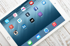 Social media icons on screen of iPad Air 2 Royalty Free Stock Images