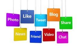 Social Media-Zeichen auf Tags Lizenzfreie Stockfotos