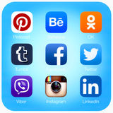 Social networking applications on Apple iPad Air Royalty Free Stock Photos