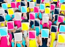 Social que recolhe o conceito da sociedade de uma comunicação da tabuleta de Digitas Imagens de Stock