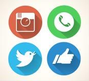 sociala symbolsmedel som ställs in Colorfull nätverkssymboler som isoleras på vit bakgrund Arkivfoto