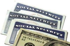 Socialförsäkringkort för ID och för fördelar Arkivfoton