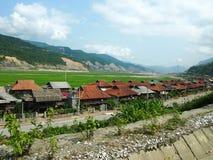 Socialistische stad in Vietnam stock foto's