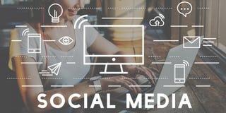 Socialt begrepp för anslutning för massmediaapparatkommunikation Arkivfoto