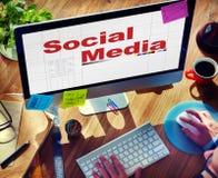 Socialt massmedia som knyter kontakt anslutningskommunikationsbegrepp Royaltyfri Fotografi