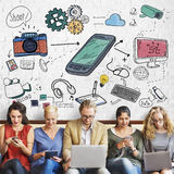 Socialt massmedia som knyter kontakt data Digital som delar begrepp Arkivbild