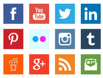 Socialt massmedia som knyter kontakt fyrkantiga symboler vektor illustrationer