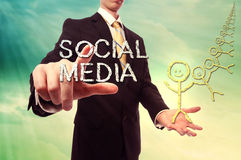 Socialt massmediabegrepp royaltyfria bilder
