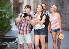 Società dei viaggiatori che prendono i colpi Fotografia Stock Libera da Diritti