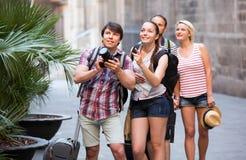 Società dei viaggiatori che prendono i colpi Fotografia Stock