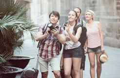 Società dei viaggiatori che prendono i colpi Fotografie Stock
