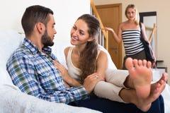 Socio que descubre adulterio Imágenes de archivo libres de regalías