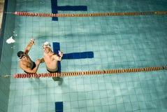 Socios de la natación foto de archivo