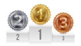 Sockel med guld, silver, bronsmedaljvektor Vitt vinnarepodium Nummer ett… 1st 2nd, 3rd placeringsprestation vektor illustrationer