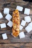 Sockerstång med sesam och jordnöten Royaltyfri Fotografi