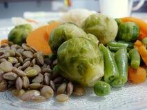 Soczyści warzywa na talerzu fotografia stock