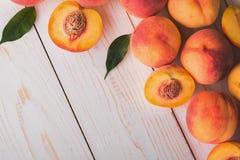 Soczyste i dojrzałe brzoskwini owoc Obraz Royalty Free
