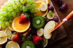 Soczyste owoc na drewnianej desce Fotografia Royalty Free