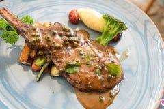 Soczysty piec na grillu wieprzowina kotlecik Zdjęcie Stock