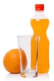 Soda anaranjada y fruta imágenes de archivo libres de regalías