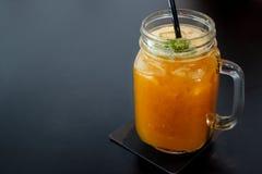 Soda del frullato del mango della bevanda di estate fotografia stock
